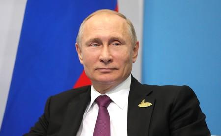 Vladimir Putin anuncia que Rusia ya tiene la primera vacuna contra COVID del mundo e incluso afirma haberla probado en su hija