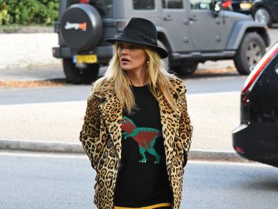 Kate Moss las vuelve a llevar, el retorno de las chaquetas de leopardo