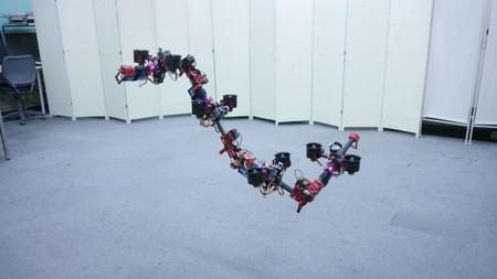 Este dron con forma de serpiente se enfrenta a problemas de los drones modernos