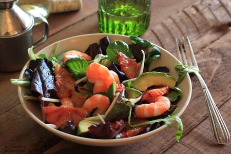 Ensalada de langostinos y naranja sanguina: receta fresca para la cena
