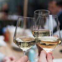 Cinco juegos de copas de vino para disfrutar de una cena en casa con elegancia