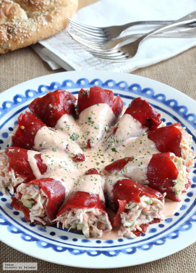 Pimientos rellenos de salmón, aguacate y cangrejo. Receta fresca de verano