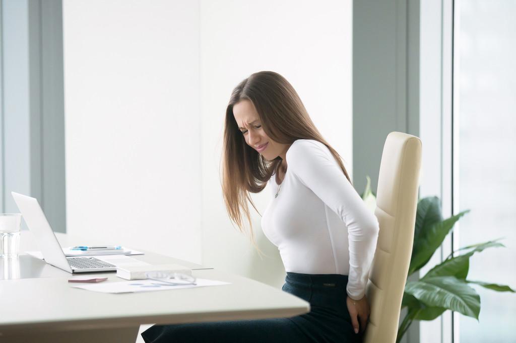 Estiramientos y ejercicios que puedes hacer en casa si estás teletrabajando por la cuarentena