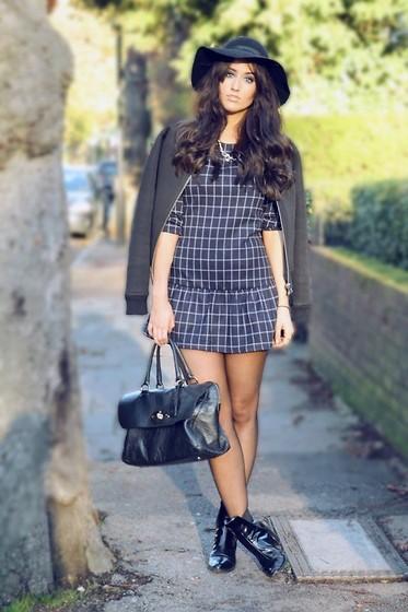 Consejos de belleza: Calendario Pirelli 2014, moda sexy y ¿cómo llegar a ser maquillador/a?