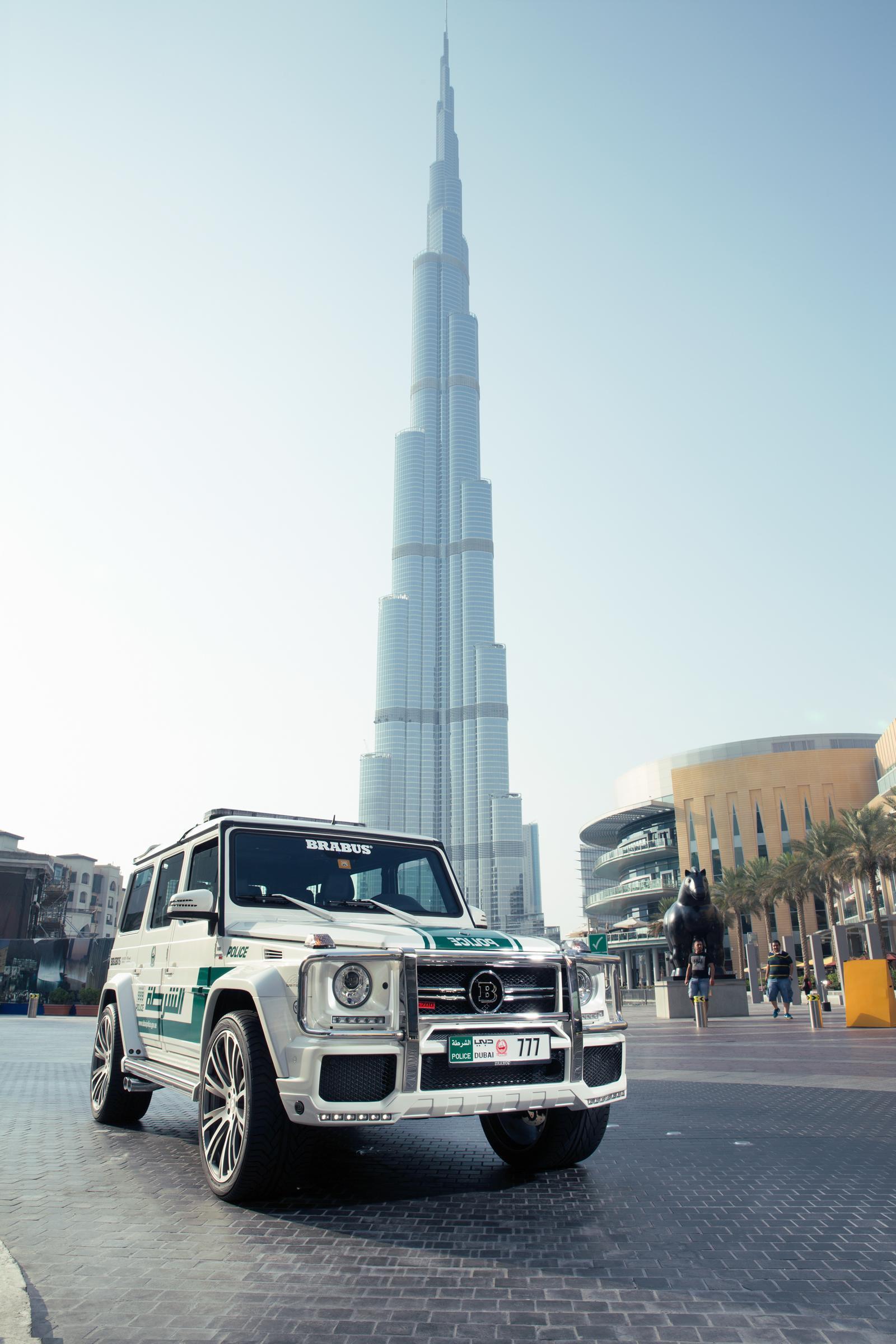 Foto de Brabus B63S–700 Widestar Policía Dubái (7/30)