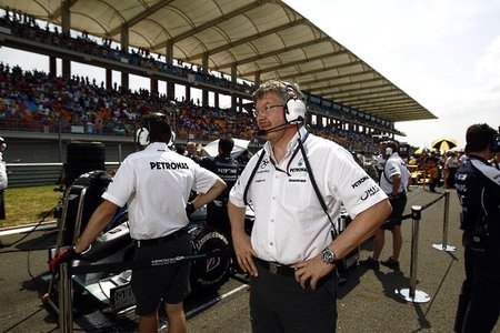 Ross Brawn sugiere a Mercedes-Benz no suministrar motores a más equipos y concentrar esfuerzos