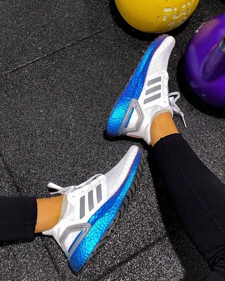No podemos hacer que la vuelta al gym sea más fácil pero sí más estilosa: ocho zapatillas deportivas rebajadas por mucho menos