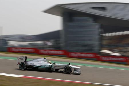 Lewis Hamilton consigue su primera pole con Mercedes AMG