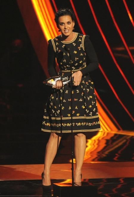 ¿Qué celebrity crees que brillará en los Globos de Oro?, ¿quién meterá la pata?, la pregunta de la semana