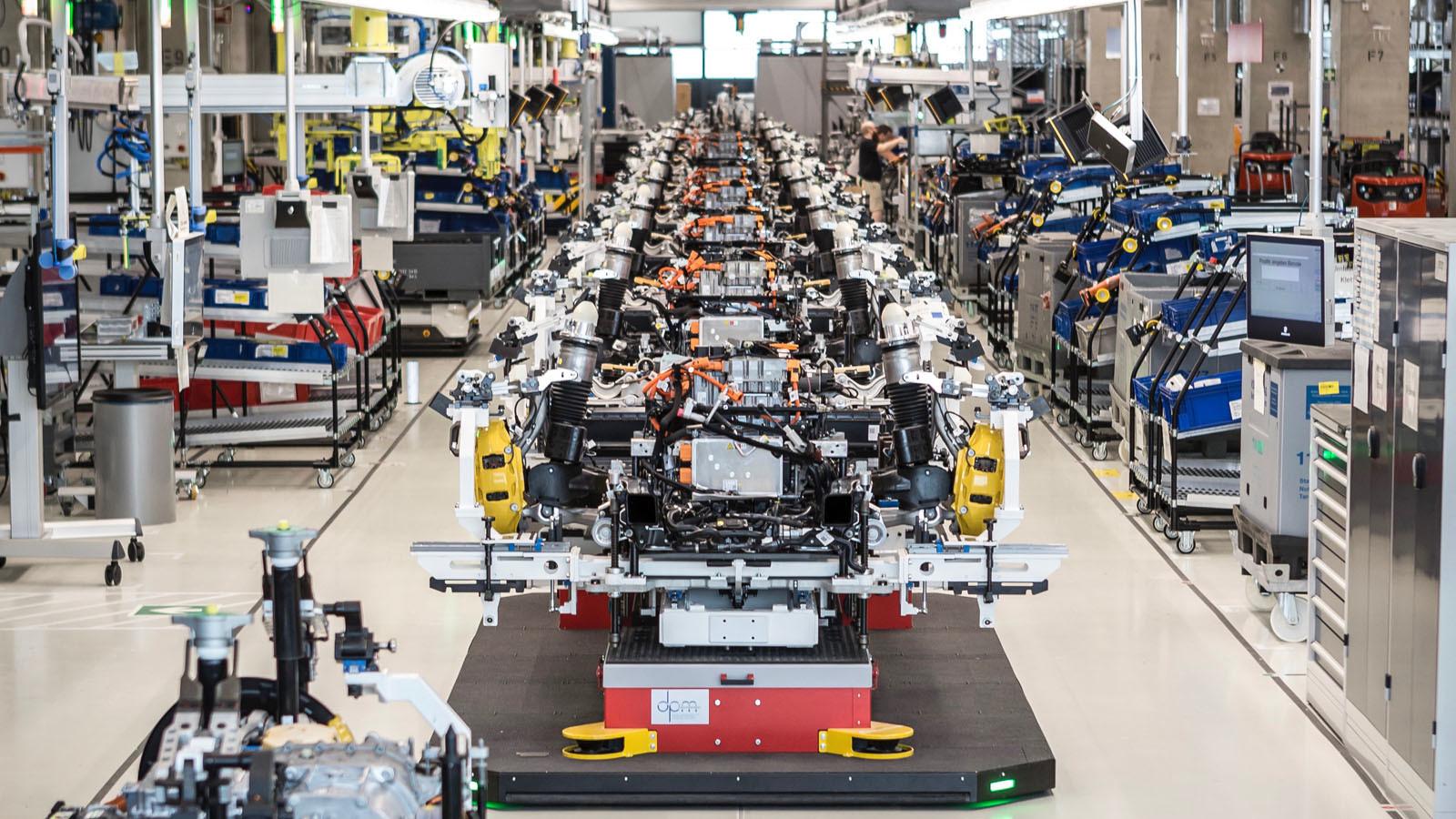 Foto de Fábrica Porsche Taycan (inauguración) (21/44)