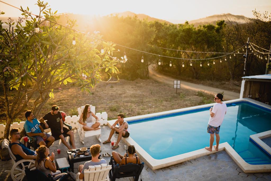 Así puedes disfrutar de las terrazas durante esta desescalada: las opciones más saludables en tapas y bebidas