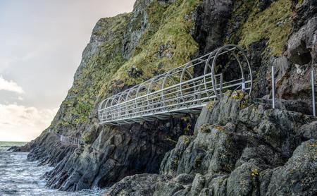 El sendero de los Gobbins, un paseo espectacular sobre la costa irlandesa