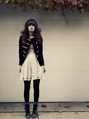 Rachel-Marie Jones. vestido encaje