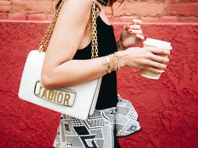 El J'Adior de Dior vuelve a enganchar al público más joven que la firma necesitaba. ¡Bienvenida a las millennials!