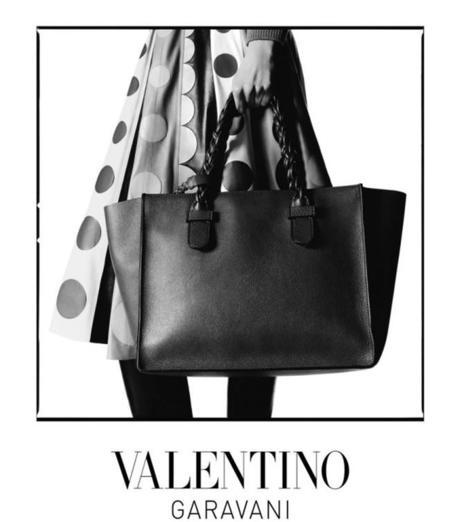 Clonados y pillados: Valentino y su shopper (también) sucumben a Zara