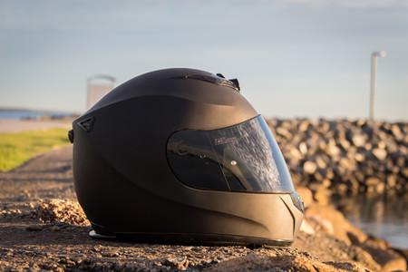 El IRIS Helmets DC-2 podría ser el fin de las cámaras deportivas, si grabar en moto fuese legal