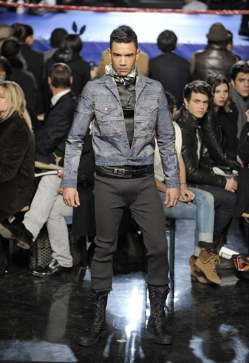 Foto de Jean Paul Gaultier, Otoño-Invierno 2010/2011 en la Semana de la Moda de París (7/14)