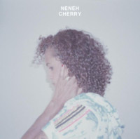 ¿Cómo suenan Neneh Cherry y Robyn juntas? Descúbrelo con 'Out Of The Black'