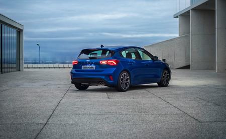 El Ford Focus 2018 llegará escalonadamente a los concesionarios españoles, partiendo de los 19.585 euros