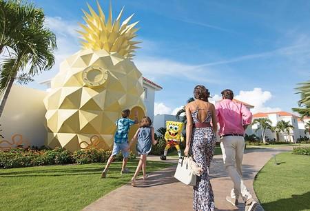 Dormir en la piña al lado del mar: el hotel de Bob Esponja en Punta Cana