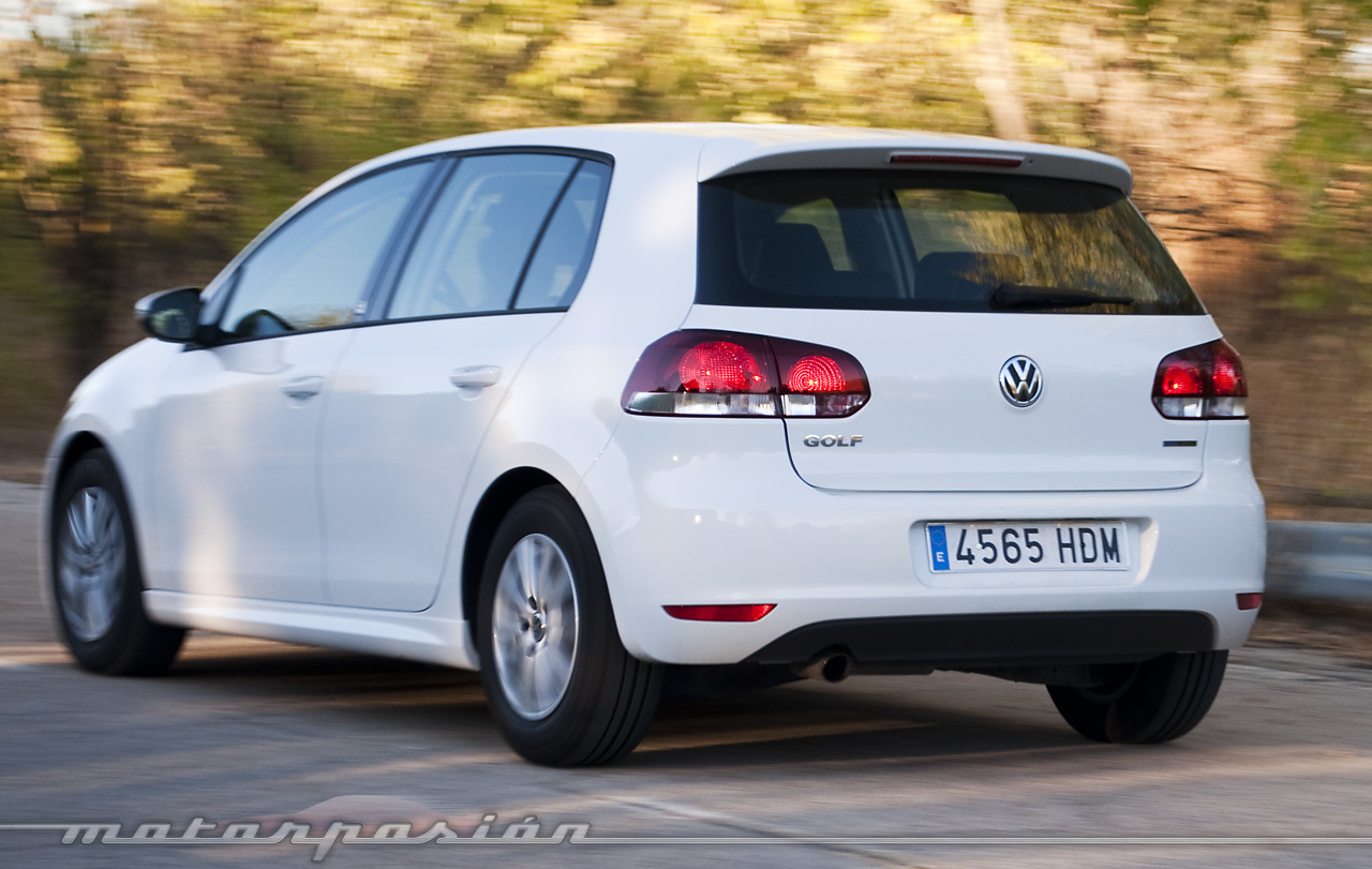 foto de volkswagen golf bluemotion 1 6 tdi prueba 27 31. Black Bedroom Furniture Sets. Home Design Ideas