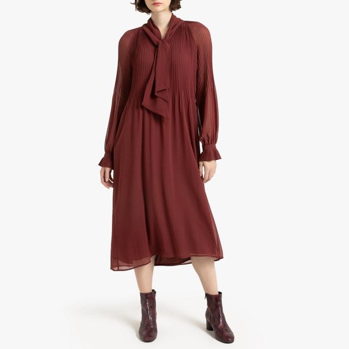 Vestido largo plisado de manga larga