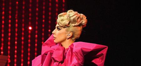 """Lady Gaga deslumbra en su última actuación """"Lady Gaga Jazz & Piano"""" demostrando que no hay estilo (ni prenda) que se le resista"""
