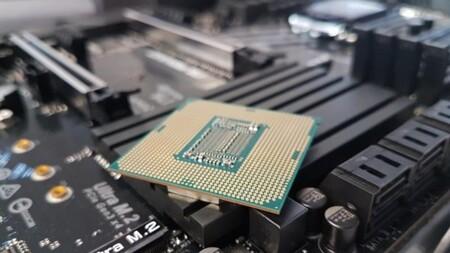 La escasez de chips afecta a todos: desde smartphones y autos hasta refrigeradores y hornos de microondas
