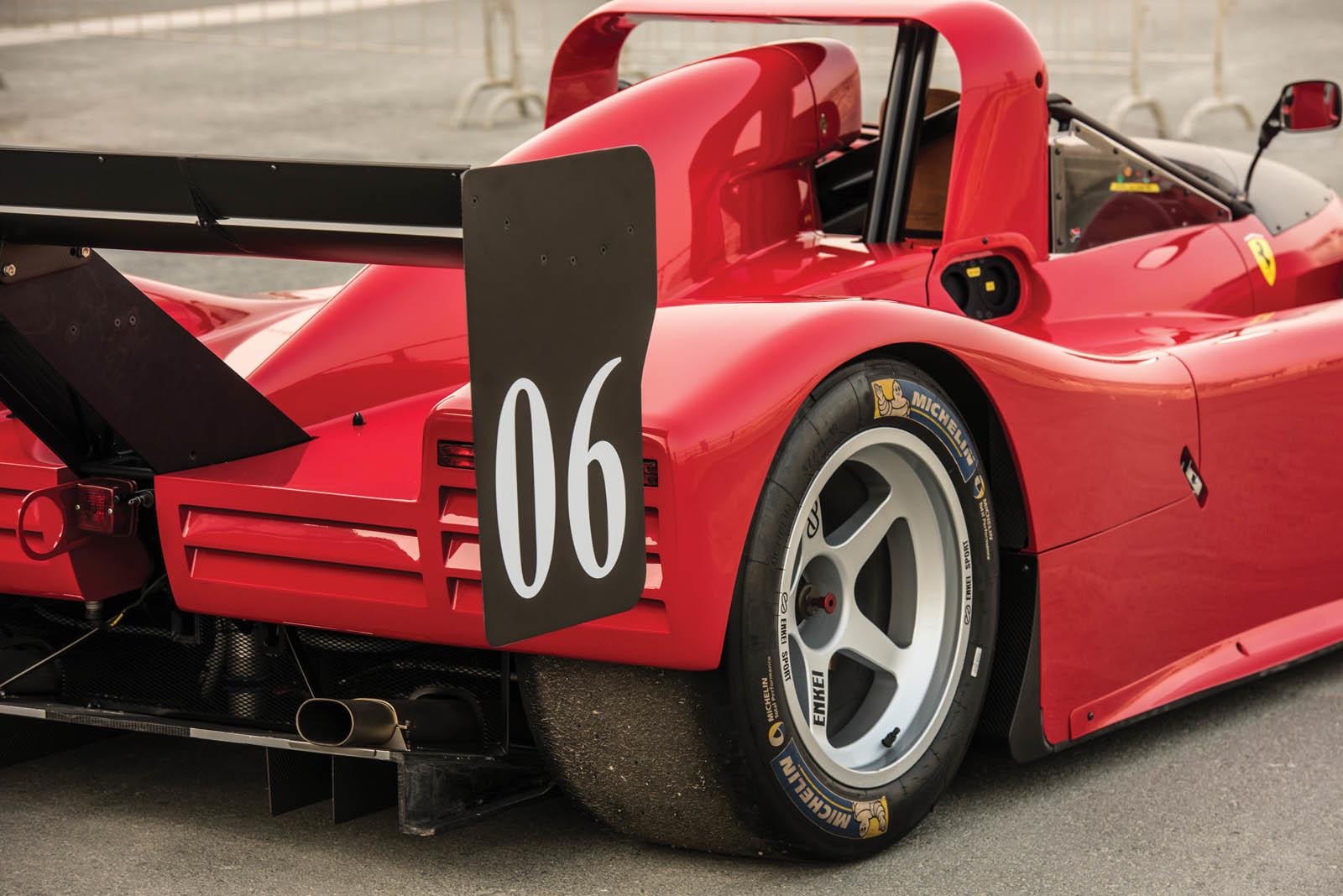 Foto de Ferrari 333 SP de 1994, a subasta (15/24)