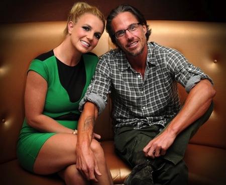Britney Spears se muda con su churri y treinta y cuatro millones en el bosillo