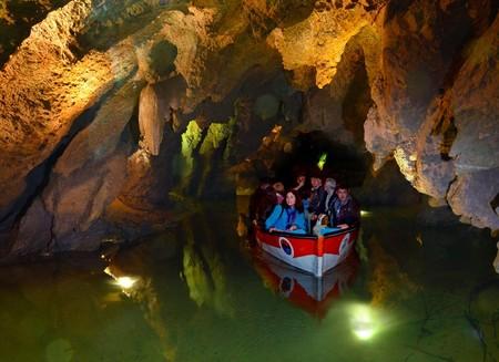 Las Grutas de San José en Castellón: un increíble viaje subterráneo