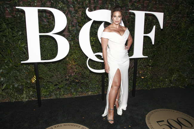 gala bof business of fashion 500 alfombra roja red carpet ashley graham