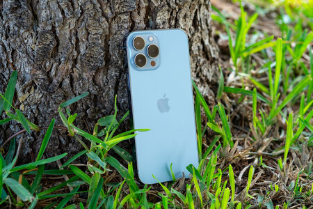 La escasez de chips comienza a afectar a Apple: recortará la producción del iPhone 13 en un 11%, según Bloomberg
