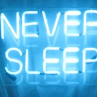 No es que la vejez nos haga dormir menos, es que dormir menos nos hace más viejos