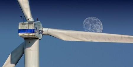 Aerogenerador con luna