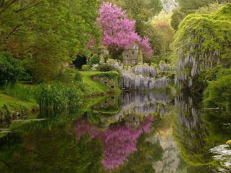 Giardino di ninfa el jard n m s bello y rom ntico de italia for Jardines romanticos