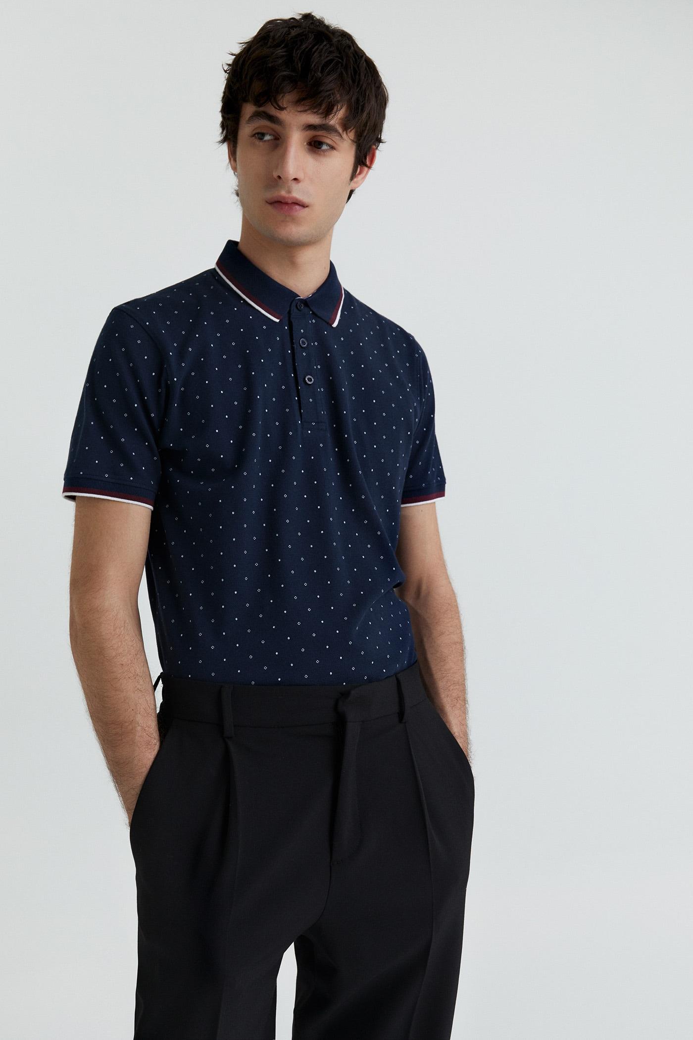 Camiseta polo azul de piqué  con microestampado
