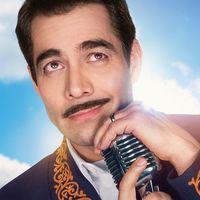 Así se ve y escucha Omar Chaparro como Pedro Infante en 'Como Caído del Cielo', la comedia musical de Netflix México que llega en diciembre
