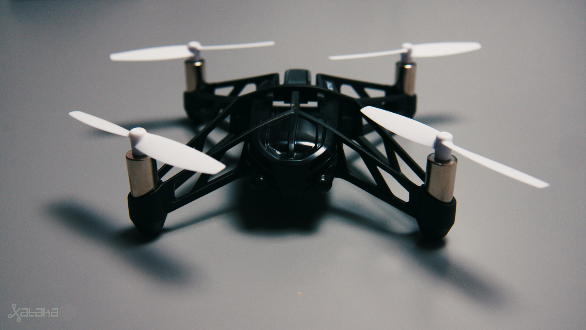 Foto de Parrot Hydrofoil Minidrone Orak (5/7)