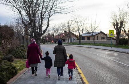 El dilema de los niños: cómo están gestionando otros países las salidas de los más pequeños