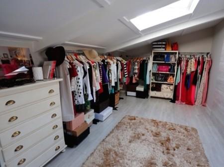 El armario de Carrie es algo ridículo