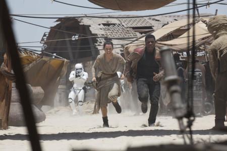 John Boyega Y Daisy Ridley En Star Wars El Despertar De La Fuerza