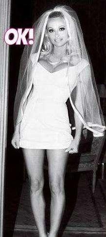 Dicen que Pamela Anderson se casó vestida así