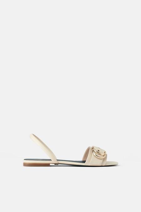 Sandalia plana piel en blanco