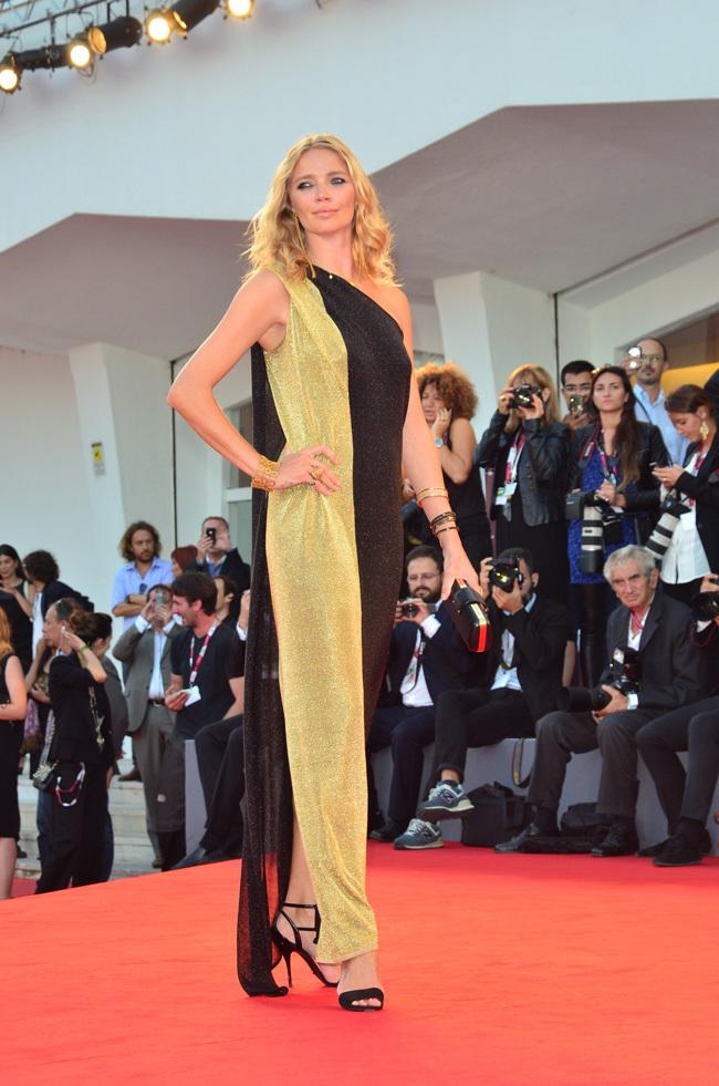 Foto de Scarlett Johansson llegó al Festival de Venecia (2/9)