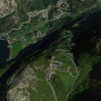La loca carretera de Lysebotn, o cómo trepar en coche casi 1.000 metros de altitud para ir a por el pan