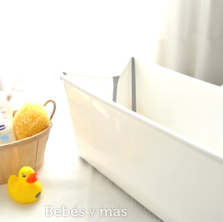 ¿En busca de una bañera práctica?: Probamos la Flexi Bath de Stokke