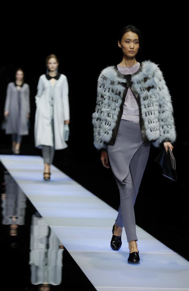 Resultado de imagen de giorgio armani en la semana de la moda en milán  2016