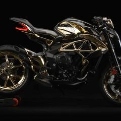 Foto 1 de 14 de la galería mv-agusta-dragster-rc-shining-gold-2019 en Motorpasion Moto