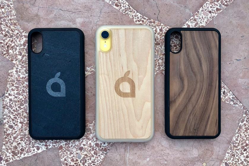 d3f25883280 Pizarra y madera: probamos las fundas personalizadas de Vica para iPhone y  iPad